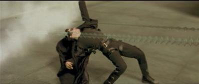 キアヌ・リーブスが銃弾をよける