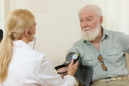 血圧が戻った男性
